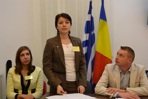 Svetlana Crăciun (centru)
